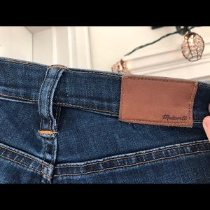 e8840a800a34 Madewell Pants - 10 in High Rise Madewell Jeans (Danny Wash)